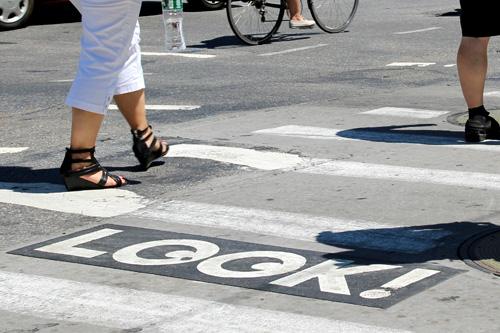 look-pavement-marking